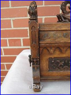 Antique Wood Gothic Carved Kissing Dragons Wood Jewelry Trinket Box Coffer