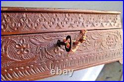 OLD WOODEN CARVED Vintage Hand Carved Wooden Jewellery / Money Box, Collectible