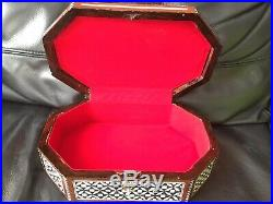 Vintage Wooden Trinket / Jewellery Box Mother of Pearl Inlay With Key Unused