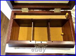 WILLIAMSBURG REPRODUCTION Wooden Tea Jewelry Box By Virginia Metalcrafters KEY
